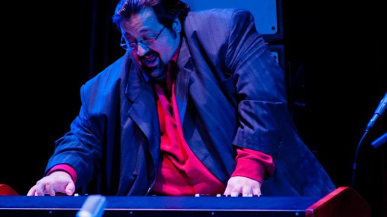 Watch Joey DeFrancesco Trio